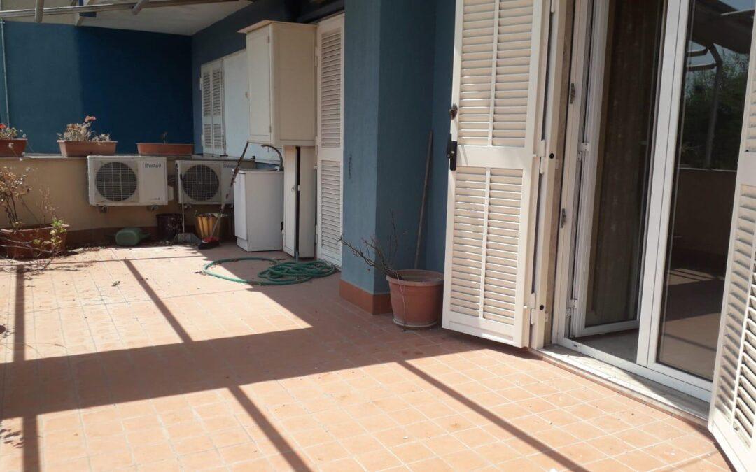 Appartamento con giardino e terrazzo Villaricca