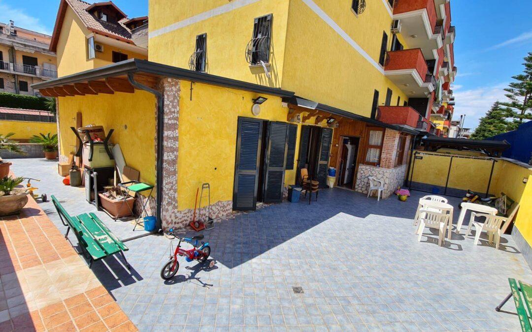 Appartamento con terrazzo Via Provinciale Mugnano-Melito