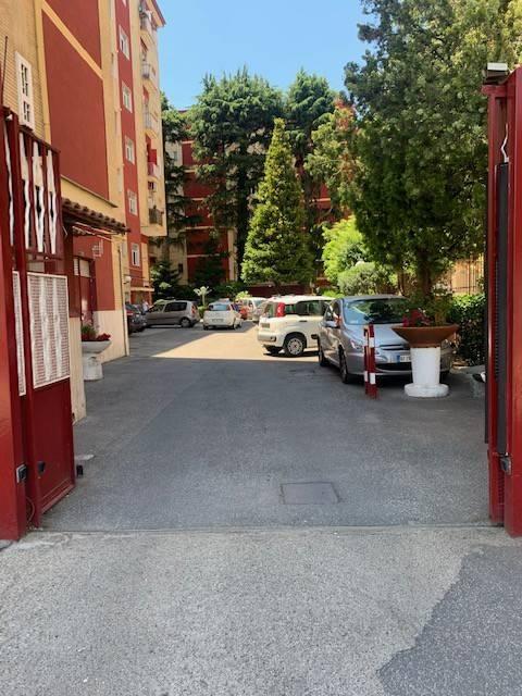 Appartamento in parco con box auto, Via Arturo Labriola, Marano