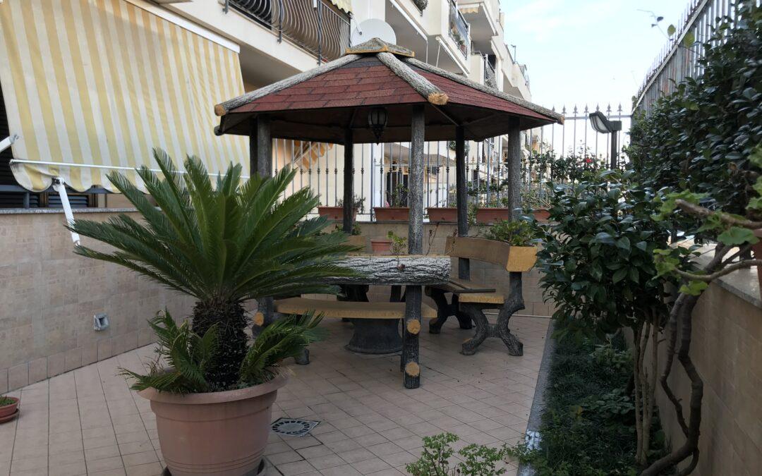 Appartamento con terrazzo e giardino Via Signorelli