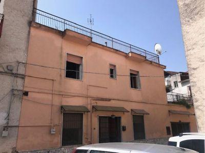 Appartamento con terrazzo Via Marano Pianura