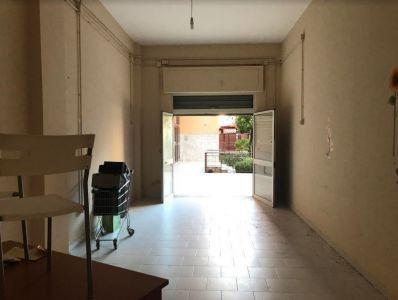 Locale commerciale Via Tevere, Marano