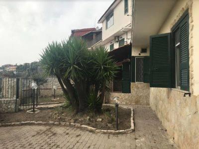 Appartamento con giardino e terrazzo Via Barco, Marano