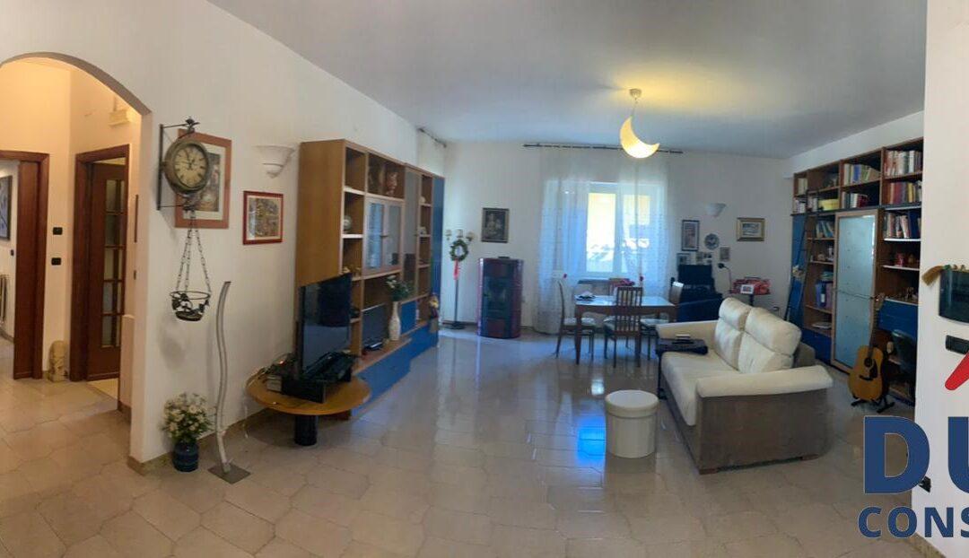Appartamento ampia metratura, Licola
