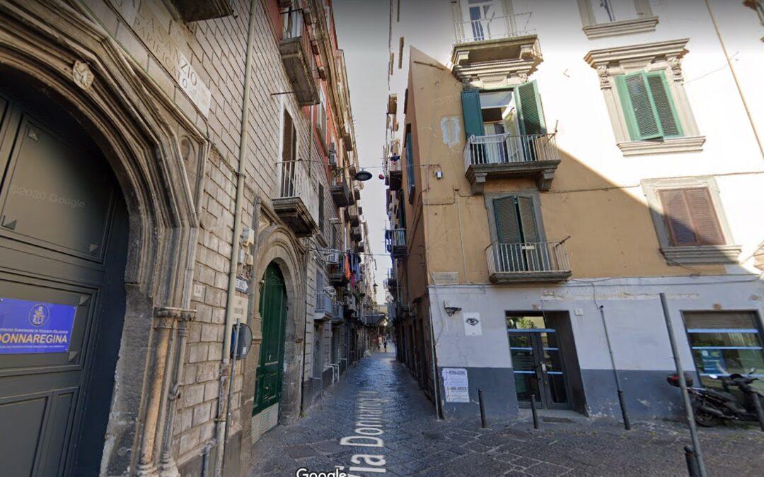 Monolocale, fitto Napoli Centro, Via Donnaregina